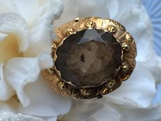 Large gold ring with natural smoky topaz