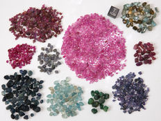 Diverse assortment of rough gemstones - 2 to 10mm - 76,6gm - 383ct