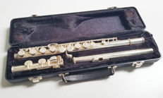 Vintage Armstrong student flute in flightcase