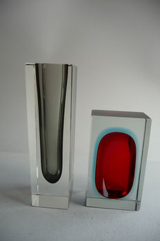 Block glass vase in Sommerso technique