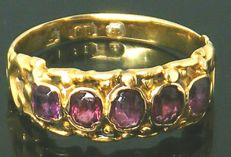 Ring, Victorian Period - 18K heavy yellow gold,- Natural Garnet 1,35 ct.