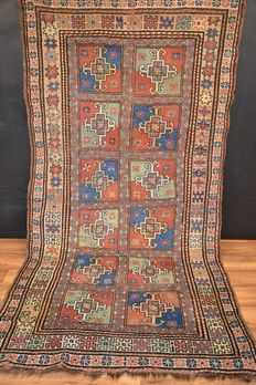 Antique East Anatolian Yörük / Yuruk Rug