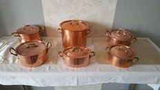 lot of six casserole or all purpose cooker - all of them with lid, in copper tinned, red and yellow copper.