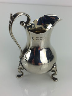 Silver creamer, London, United Kingdom, 1899.