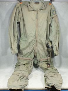 Anti-G-F-86 pilot - flying suit us army. USA - 50s - Manises Air Base