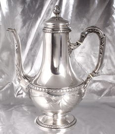 RAVINET & CIE - LOVELY LARGE LAUREL LEAF PITCHER - STERLING SILVER MINERVA HALLMARK - 1912