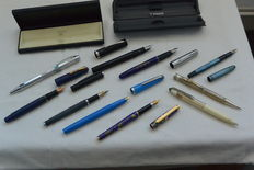 Fountain pens and pens including Parker Sheaffer Boston