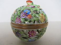 Herend porcelain - pomander ball strawberry trinket box lidded pot 6213