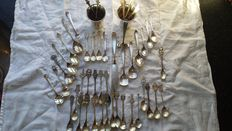 Lot of 50 pieces silver plated including H. Hooijkaas, Sola and others