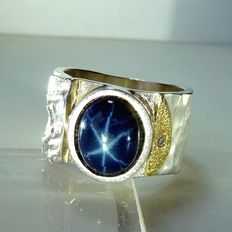 Men's ring - heavy goldsmith ring with 9.53ct. Star sapphire + 0.035ct. Diamond large size 70