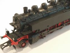 Märklin H0 - Tender locomotive BR 86 of the DB with telex couplings