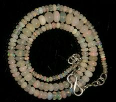 Welo opal necklace 47 ct - 925 Silver closure