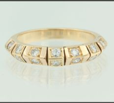 18 kt Rose gold ring set with 14 brilliant cut diamonds, approx. 0.56 ct in total, Top Wesselton VS/SI