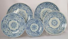 Collection of 5 identical plates with floral patterns - China - Daoguang period (1820-1850)