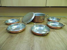 Lot of solid tinned copper snail dishes+ saucepan