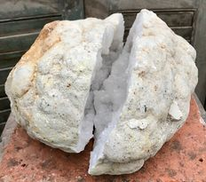Giant geode of rock crystal - 32 x 25 x 15 cm - 10.96 kg