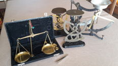5 weighing instruments - The Netherlands - 1st half 20th century