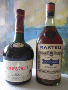 2 Old Cognac bottles: 1 Martell 3 stars Cognac 73 cl Bottled 1970s – 1 Courvoisier Luxe 3 stars 70 cl Bottled late 1980s