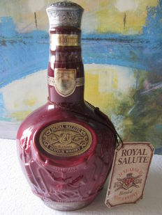 Royal Salute 21 years old 70 cl 40 ° in elegant ceramic decanter