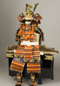 Samurai armour/Yoroi made of silk, metal, fabric and lacquer - Japan - 1930-1950 (early Showa period)