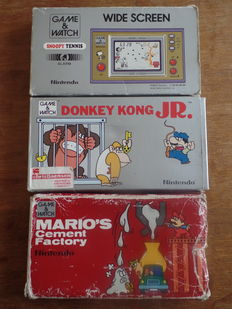 Lot of 3 boxed Nintendo Game & Watch Wide Screen - Snoopy Tennis - Donkey Kong JR - Mario's Cement Factory