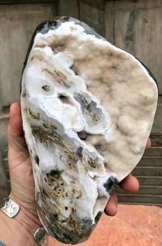 Hand-polished green Ocean Jasper, with Agate inclusions - 22 x 14 x 7,5 cm - 2,81 kg