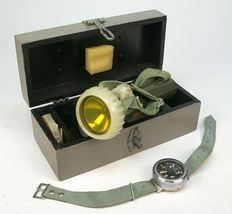 Military dive light and depth gauge, Russian army, 1970s/80s