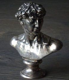 Bust silver of a Roman Emperor op round base, Netherlands, 1972
