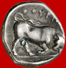 Ancient Greek - Italy (Lucania), Thurium - silver stater (7,45 g. 20 mm.). 410 - 350 B.C. Bull butting right, tuna fish in exergue.