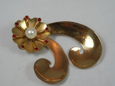 Coro – brooch with pearl and red stones