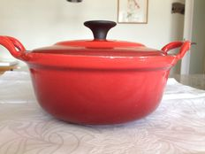 Le Creuset - enamelled cast-iron pot