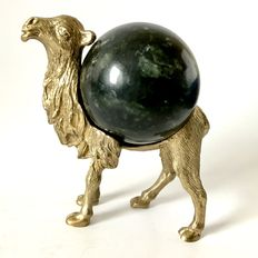 Fine 8cm Serpentine sphere, set in Bronze Camel figurine -  15 x 14cm - 1362gm