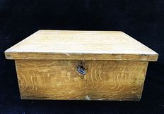 Folk art pine document / travel chest with painted wood grain - Sweden - circa 1930