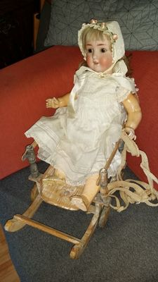 Antique doll by Simon & Halbig and sled - Germany