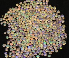 Welo opal - pearls from 2.6 to 5.6 mm - 61 cts