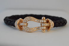 Leather bracelet with 18 kt rose gold clasp with diamonds