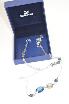 dddSwarovski - Silver coloured necklace with blue stones