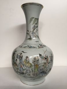 Large famille rose  vase - China - circa 1910