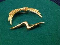 MONET – Two vintage gold-tone brooches