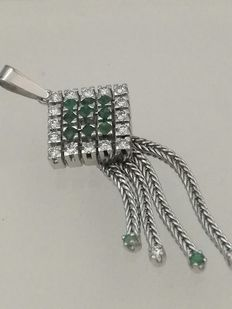 Special piece: Pendant made of gold, diamonds, and emeralds. Low reserve.