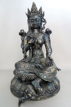 Large bronze Tara sitting on a double lotus - Nepal - end of 20th century
