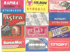 Collection of 72 razor blades international collection---9/10