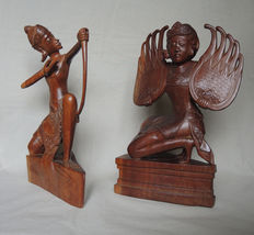 Wood carving of a Legong dancer and an Archer (signed Fatimah) - Bali - Indonesia
