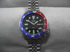 Seiko Scuba Divers, 'Pepsi' Bezel Gents Wrist Watch - model no. 6309-729A c.1980s'