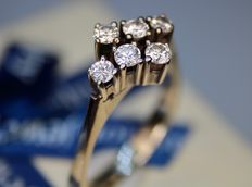 Design ring with a Euroval certificate. Solid gold with 6 large natural brilliant cut diamonds VS1 /H.  Excellent state.