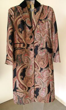 Etro – Long coat with paisley pattern
