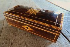 A inlaid rosewood (jewelry) box - England - second half 19th century
