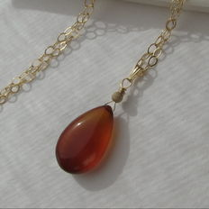 Gold necklace with natural honey chalcedony
