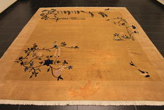 A magnificent China Art Deco Oriental carpet from around 1930, made in China, 255 x 300 cm