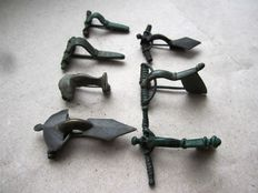 Collection of ancient bronze fibulae -29,34,40,41,45,46,53mm (7)